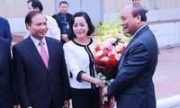 Thủ tướng Nguyễn Xuân Phúc động viên hoạt động sản xuất kinh doanh tại Hà Nội và Ninh Bình