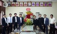 Chủ tịch UBND thành phố Hà Nội chúc mừng Linh mục Trịnh Ngọc Hiên