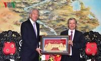 Phó Thủ tướng, Bộ trưởng Điều phối An ninh quốc gia Singapore thăm Huế