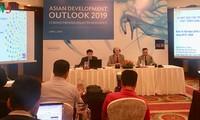 ADB: Kinh tế Việt Nam duy trì đà tăng trưởng mạnh trong bối cảnh triển vọng toàn cầu suy giảm