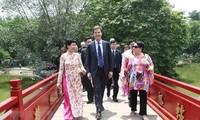 Mở rộng, làm sâu sắc hơn nữa mối quan hệ hợp tác Việt Nam - Hà Lan