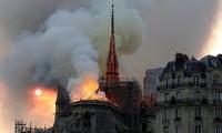 Việt Nam chia sẻ với vụ hoả hoạn tại Nhà thờ Đức Bà (Pháp)