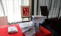 Họa sĩ Canada triển lãm tranh về Chủ tịch Hồ Chí Minh