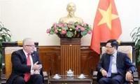 Phó Thủ tướng Phạm Bình Minh tiếp Đại sứ Australia chào từ biệt