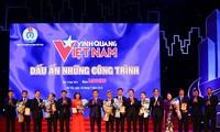 """Tôn vinh 19 tập thể, cá nhân trong Chương trình """"Vinh quang Việt Nam"""" lần thứ XV"""