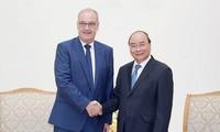 Việt Nam luôn coi trọng củng cố và tăng cường quan hệ hữu nghị và hợp tác truyền thống với Thụy Sỹ