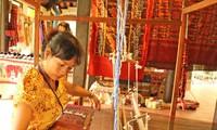 Hơn 80 nghệ nhân sẽ trình diễn ươm tơ, dệt lụa tại Hội An
