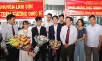 Đón đoàn Olympic Sinh học Việt Nam giành thành tích cao tại Hungary