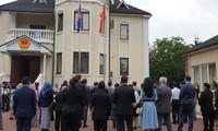 Đại sứ quán Việt Nam tại Ukraine tổ chức Lễ thượng cờ ASEAN nhân ngày thành lập ASEAN 8/8