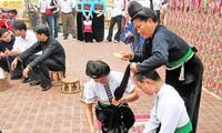 Bạc trong đời sống của người Thái Tây Bắc