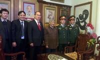 Председатель ЦК ОФВ навестил семьи бывших министров обороны страны