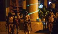 Страны мира осудили атаку на отель в Буркина-Фасо