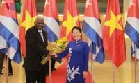 Спикер вьетнамского парламента провела переговоры с кубинским коллегой