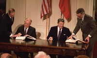 Что стоит за планом США выйти из Договора о ликвидации ракет средней и меньшей дальности (ДРСМД)