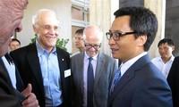 越南政府一向为科学家研究发展科技创造良好条件