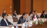阮富仲会见日本自由民主党秘书长、日越友好议员小组主席二阶俊博