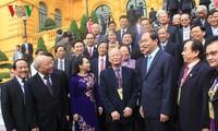 越南党、国家一向特别关心卫生部门建设