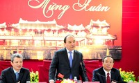 越南政府总理阮春福看望并向承天顺化省拜年