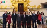 越南政府总理阮春福会见韩联社代表团