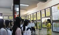 """""""黄沙、长沙归属越南——历史和法理证据""""地图和资料展在海防市举行"""
