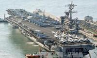 美国航母战斗群驶向朝鲜半岛