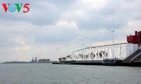 越南与荷兰加强水资源研究和港口建设与管理领域的合作
