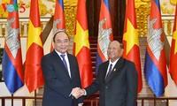 越南政府总理阮春福会见柬埔寨国会主席韩桑林