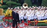 越南和中国发表联合声明