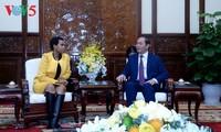 陈大光会见南非驻越大使马加巫