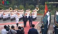 陈大光主持仪式欢迎韩国总统文在寅