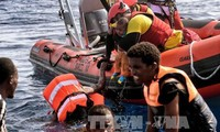 西班牙解救数百名地中海难民