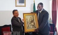 越南和阿尔及利亚加强旅游合作