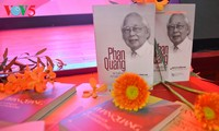越南之声举行成立73周年见面会暨《潘光—人生90 新闻从业 70年》一书发布仪式