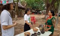 独特的保竹制陶村