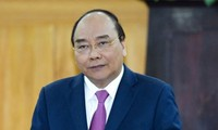 越南政府总理阮春福向银行部门交付任务