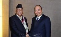 越南政府总理阮春福会见尼泊尔总理奥利