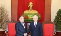 越共中央总书记、国家主席阮富仲会见泰国副总理兼国防部长巴维