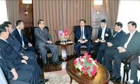 朝鲜劳动党高级代表团参观世界自然遗产下龙湾