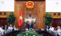 越南政府总理阮春福会见岘港市海州郡为革命立功者代表团