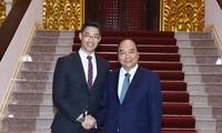 越南政府总理阮春福会见经济专家罗斯勒