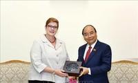 越南政府总理阮春福会见澳大利亚外长玛丽斯·佩恩