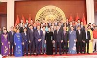 越南国会主席阮氏金银会见越南驻中国大使馆工作人员及旅居中国越南人代表