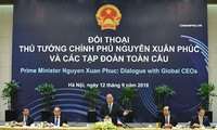 នាយករដ្ឋមន្ត្រីវៀតណាមលោក Nguyen Xuan Phuc អបអរសាទរចំពោះបណ្ដាសម្ព័ន្ធក្រុមហ៊ុនសកល ដែលសន្យារធ្វើអាជីវកម្មយូរអង្វែងនៅវៀតណាម