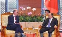 នាយករដ្ឋមន្ត្រីវៀតណាមលោក Nguyen Xuan Phuc ទទួលជួបជាមួយ ប្រធានាធិបតីឥណ្ឌូណេស៊ី និងប្រធាន អគ្គនាយកសម្ព័ន្ធក្រុមហ៊ុន GE Global