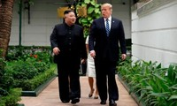 ពេលវេលាគួរឲ្យគាប់ចិត្តរបស់លោកប្រធានាធិបតី Donald Trump និងលោកប្រធាន Kim Jong-un នៅក្នុងកិច្ចប្រជុំកំពូលលើកទីពីរនៅទីក្រុងហាណូយ