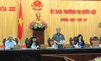 Ủy ban thường vụ Quốc hội bàn về đổi mới chương trình, sách giáo khoa