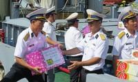 Hơn 40 nhà báo xuất phát ra thăm, tặng quà Tết cho cán bộ, chiến sĩ nhà giàn DK1