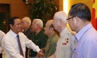 Phó Chủ tịch Quốc hội Đỗ Bá Tỵ tiếp Đoàn đại biểu cựu Thanh niên xung phong các thế hệ