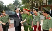 Chủ tịch nước Trần Đại Quang thăm và làm việc với Công an tỉnh Phú Thọ