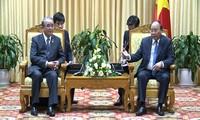 Thủ tướng Nguyễn Xuân Phúc tiếp Thống đốc tỉnh Nagasaki, Nhật Bản